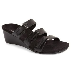 Vionic Dwyn Adjustable Wedges Sandals